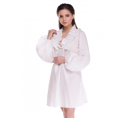 Платье с рюшами белого цвета