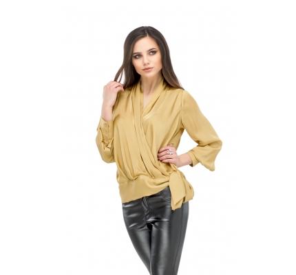 Блузка на запах горчичного цвета