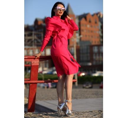 Длинное платье розового цвета