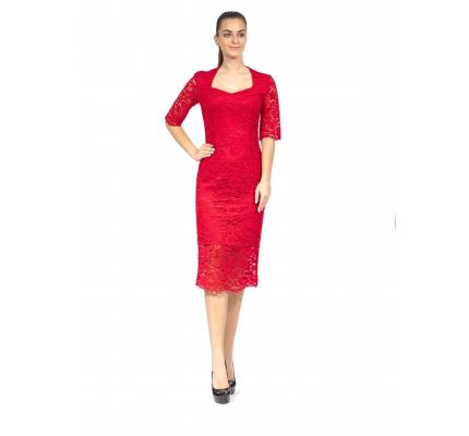 Платье с кружевом красного цвета