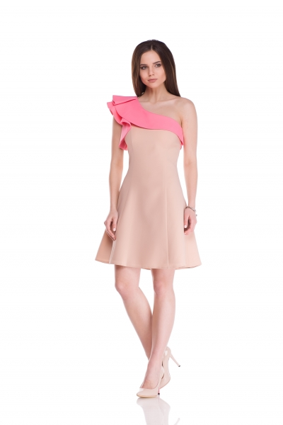 Dress with flounces on one shoulder beige-pink - Фото