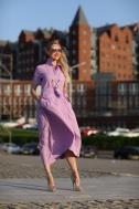 Длинное платье фиолетового цвета - Фото
